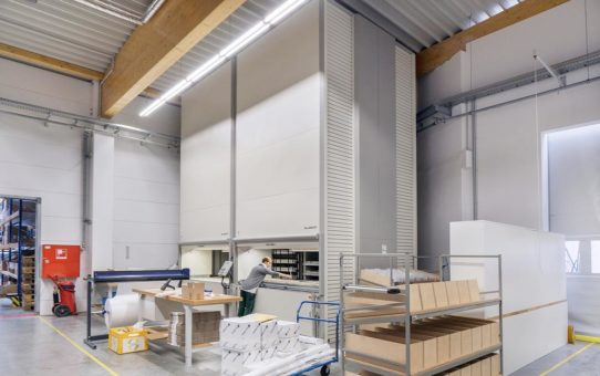Ökonomische Fertigungsprozesse in der Büromöbelindustrie durch intelligentes C-Teile-Management mit Hänel Lean-Liften®