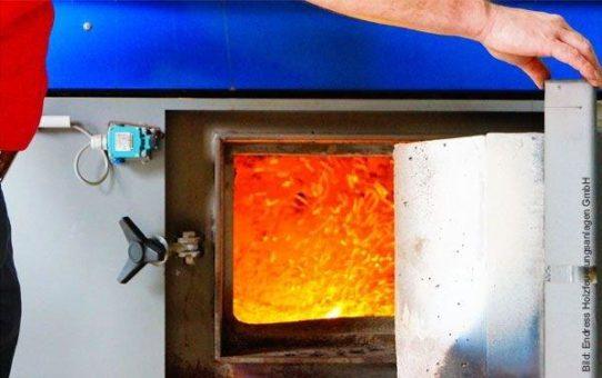 Zuschlagstoffe reduzieren Feinstaub in Feuerungen für Abfall- und Gebrauchtholz