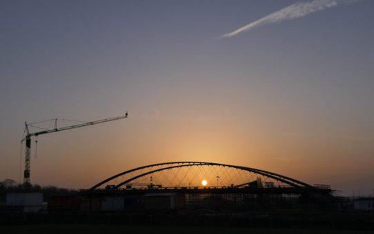 Stuttgarter Stadtbahnbrücke hängt an Schweizer Carbon-Seilen