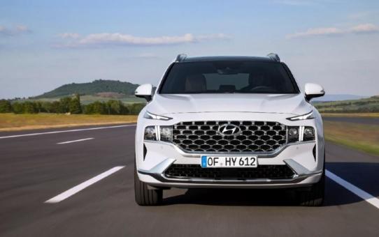 Der Hyundai Santa Fe Diesel: Wegweisend bei Raumangebot, Sicherheit und Komfort