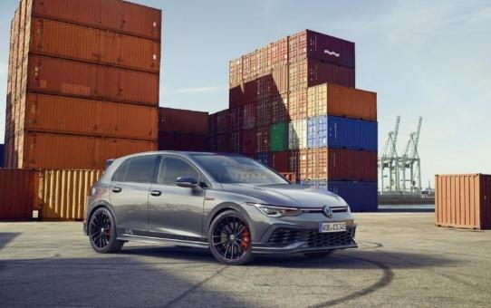 """Die Ikone feiert Geburtstag: Volkswagen bringt exklusiven Golf GTI """"Clubsport 45"""" auf den Markt"""