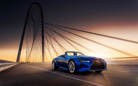 """Lexus LC Cabrio ist bestes Luxusmodell beim """"Women's World Car of the Year"""""""
