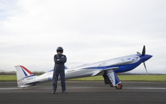 """Vollelektrische """"Spirit of Innovation"""" von Rolls-Royce erreicht weiteren Meilenstein auf dem Weg zum Weltrekord"""