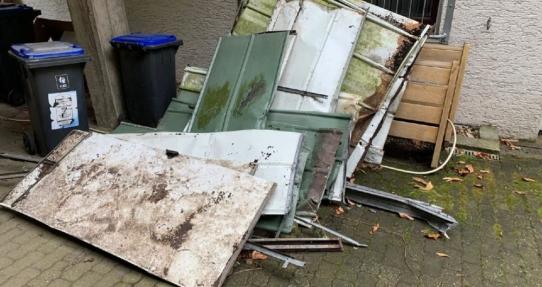 Schrotthändler Düsseldorf holt Schrott Kostenlose ab für private und gewerbliche Kunden