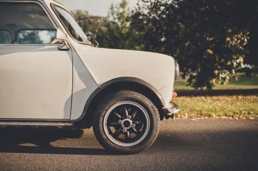 Neuer Pirelli Collezione Reifen für den klassischen Mini